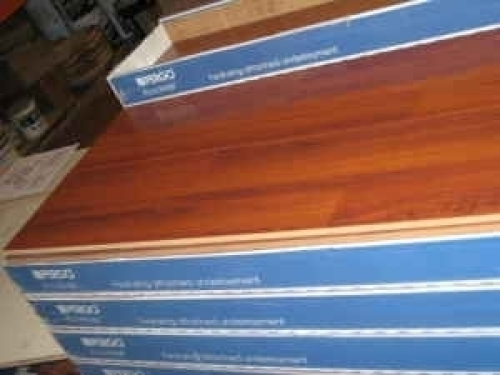 Pergo Accolade Brazilian Cherry Laminate Flooring In Las